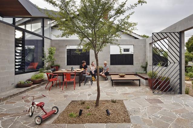 Fairfield Hacienda by MRTN Architects.