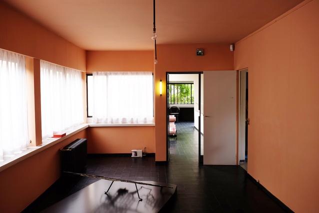 The compact bedroom in Le Corbusier's Maison La Roche.