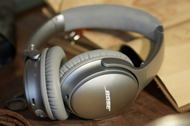 "So you can work on that design in peace, without a tangle of cords. <a href=""https://www.bose.co.nz/en_nz/products/headphones/over_ear_headphones/quietcomfort-35-wireless.html"" target=""_blank""><u>Bose QuietComfort® 35 wireless headphones</u></a>."