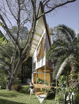 Taringa Treehouse by Phorm Architecture and Design.