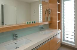 Mellons Bay Bathroom
