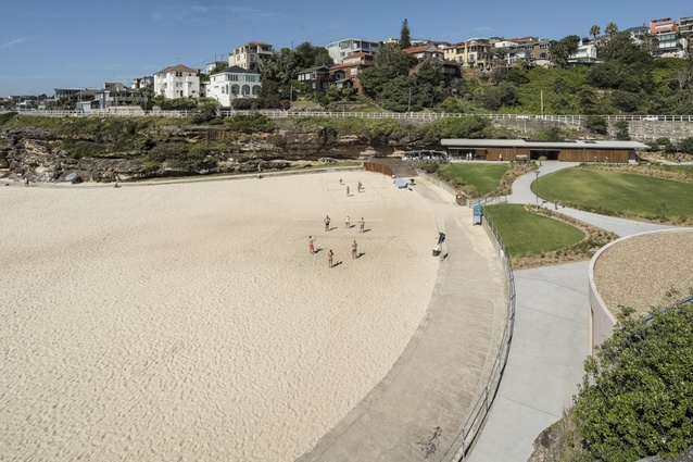Tamarama Kiosk to the south and the curved concrete storage pod to the north bookend the beach.