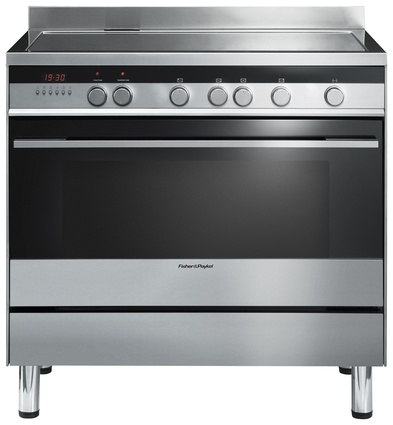 Freestanding 900 mm cooker with induction cooktop.
