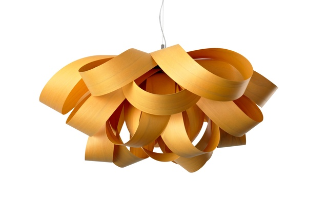 Agatha suspension light in golden yellow.