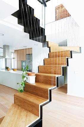 Madrid Duplex by architects Marta Badiola and Jorge Pizarro.