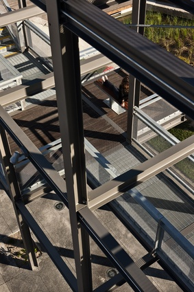 Lookout points within the gantry have seating elements to view the harbour and silo park.