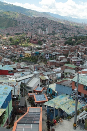 The San Javier escalators in in Medellín, Colombia, span 27 storeys.