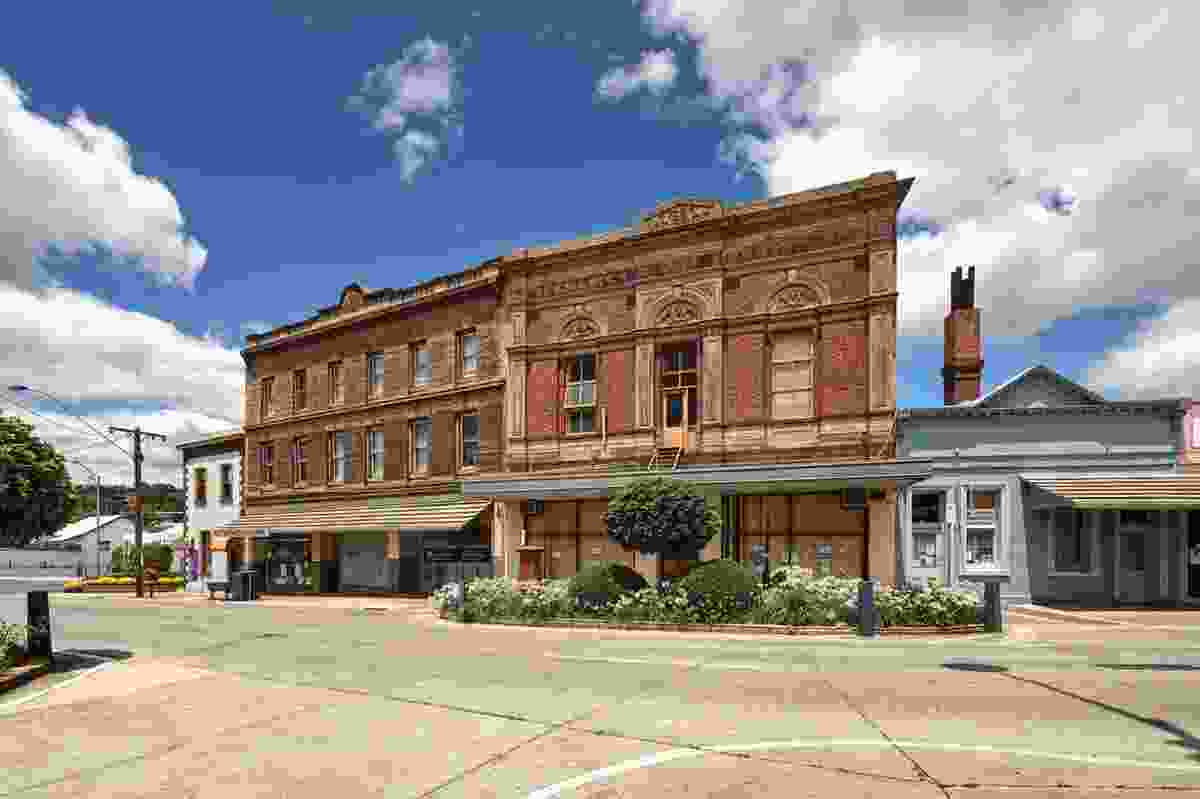 Buildings in Stawell show the popular local brick.