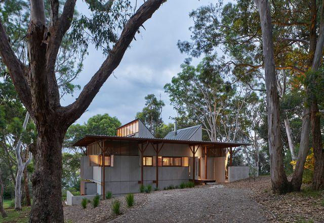 Bay Guarella House by Peter Stutchbury Architecture.