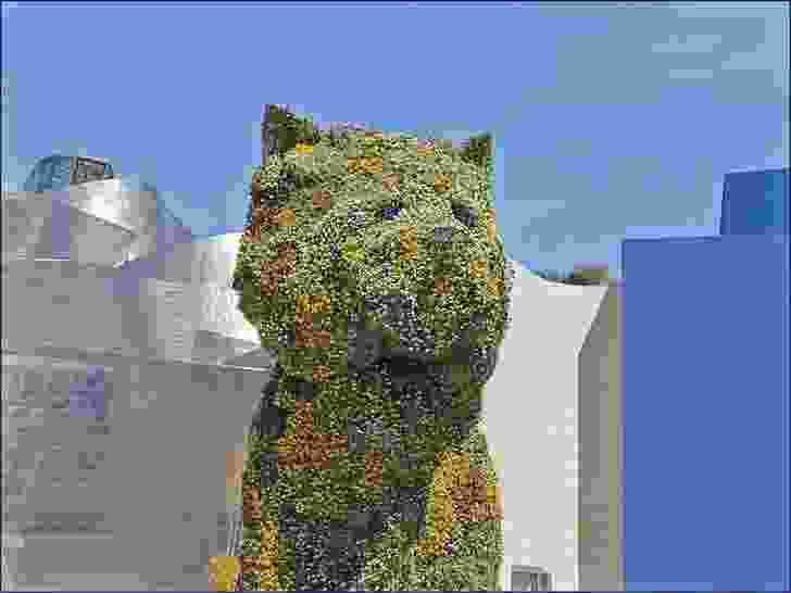 Puppy (1992) by Jeff Koons