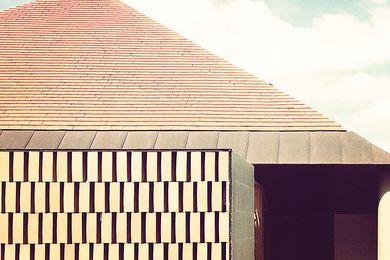 Deepdene House by Kennedy Nolan。