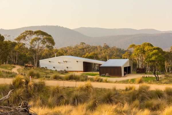 Crackenback Stables – Casey Brown Architecture, Myson and Berkery (associate architects).