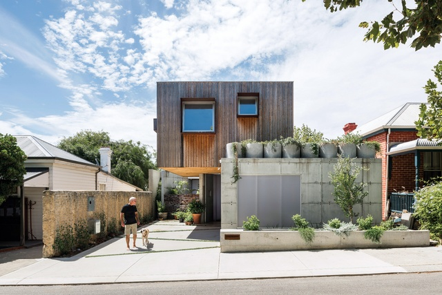 Triumph over obstacle: Silver Street House