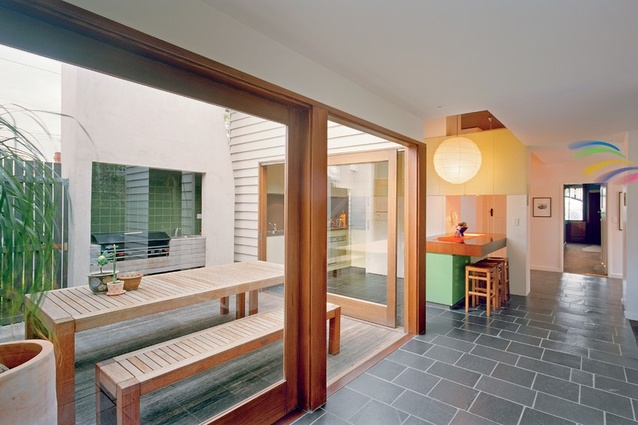 Related indoor and outdoor zones give a sense of space.