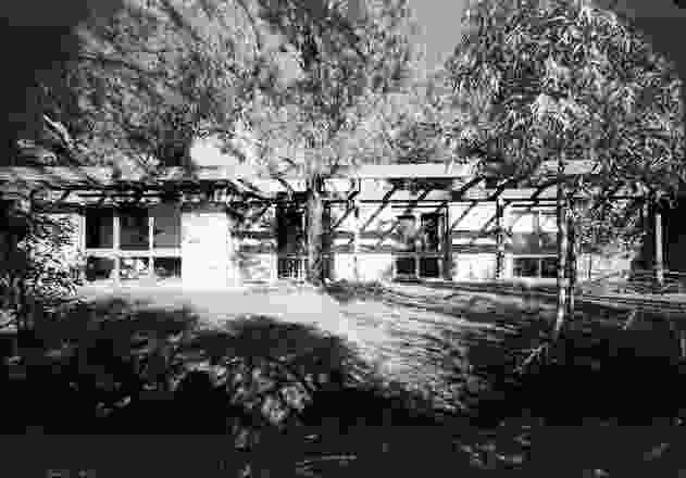 冬季公园地窖住宅,由Graeme Gunn设计,由Merchant Builders开发。