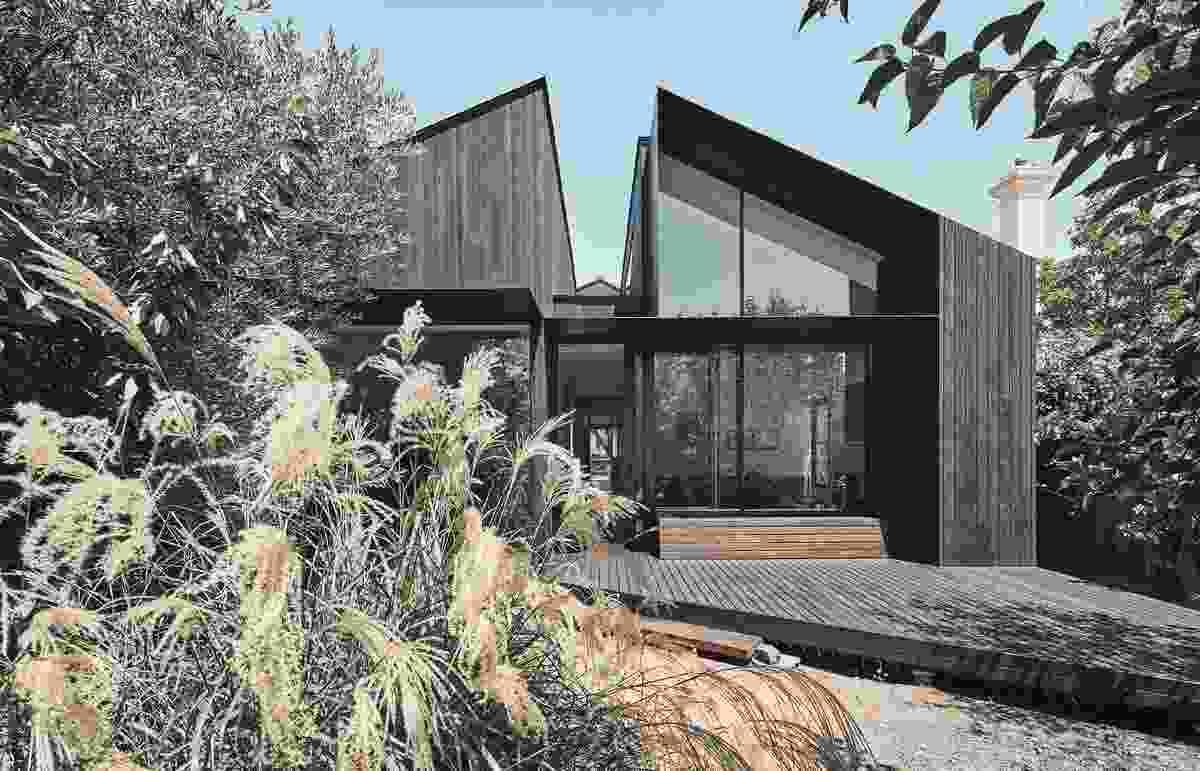 Split House by FMD Architects.