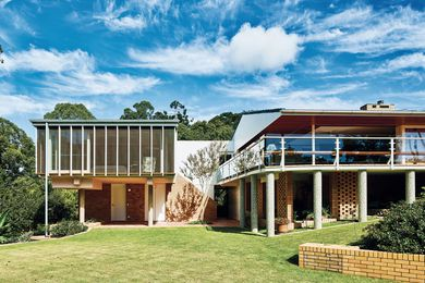 Reinstating the original wraparound verandah re-exposed the living room as an operable corner.