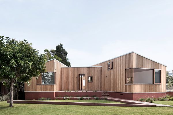 Three Piece House by Trias