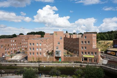 The Malings, Newcastle upon Tyne by Ash Sakula Architects, completed in 2016. In her keynote presentation, Cany Ash of Ash Sakula Architects explained that for this site the developer initially considered typical apartment buildings, but instead her team teased out a village of stepped houses.