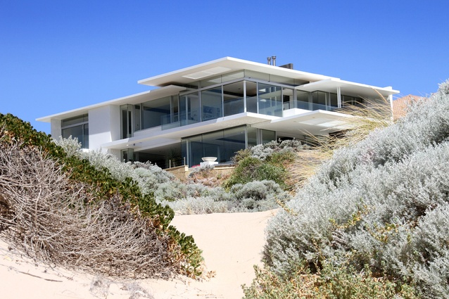 Avalon Bay Beach Residence by Banham Architects.