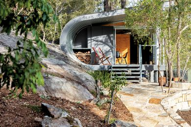 The Fabshack project in the Blue Mountains is a case study in prefabrication and minimizing waste.