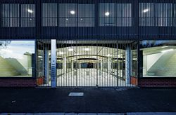 Kerr Street elevation. The six-metre-wide terrazzo arcade extends from Kerr Street to the laneway at the rear, providing pedestrian access. Image: Peter Bennetts.