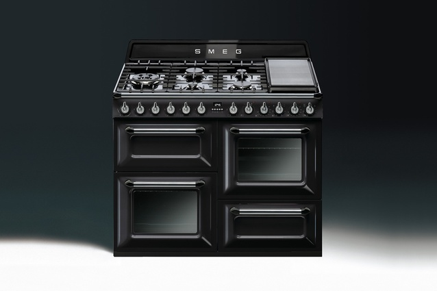 Victoria by Smeg in black enamel.