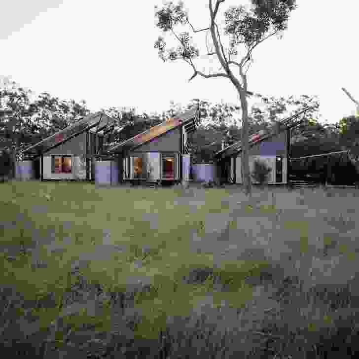 湖Weyba房子,努萨,1996年。