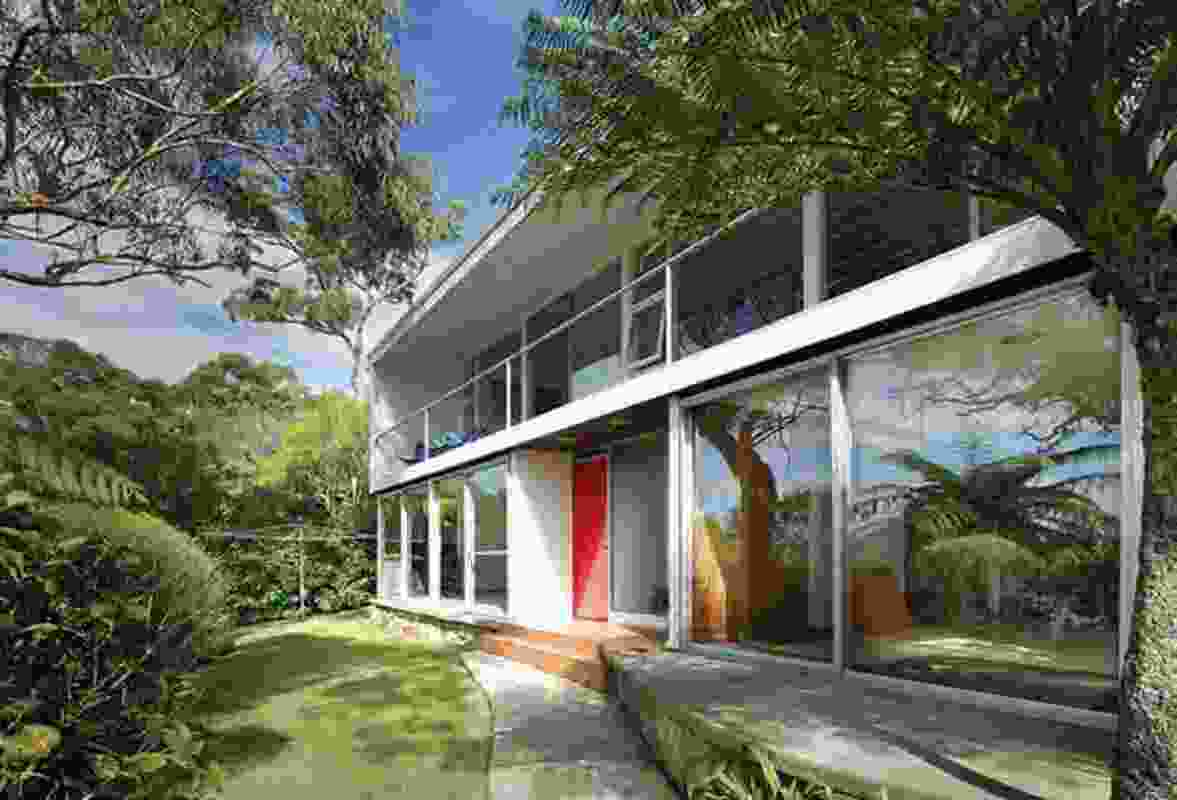 Luursema House by Harry Seidler (1958), with some modifications.