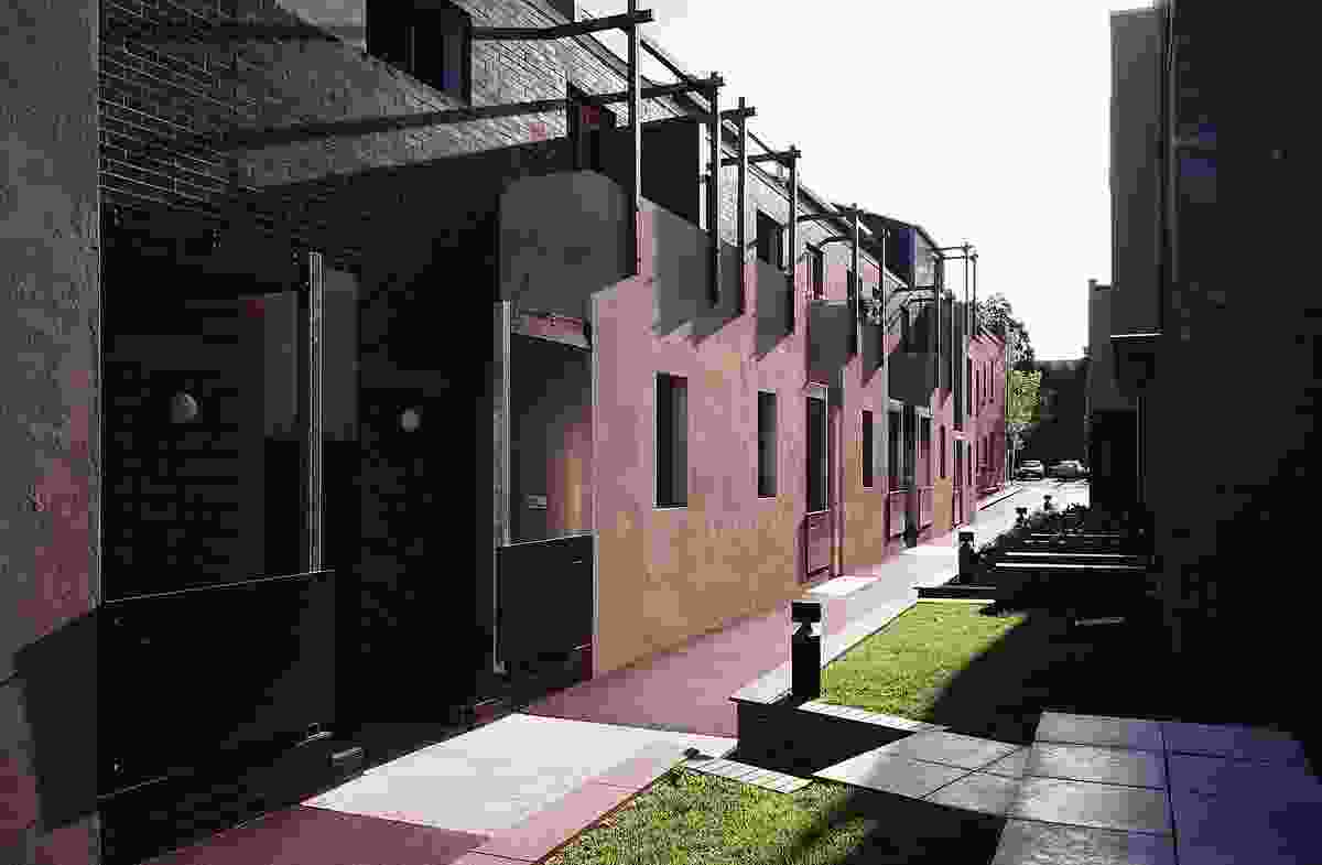 Tyne Street Multiple Housing, Carlton, by Williams Boag Architects (1994).