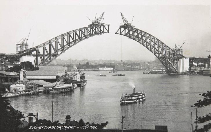 Sydney Harbour Bridge under construction, 1930.