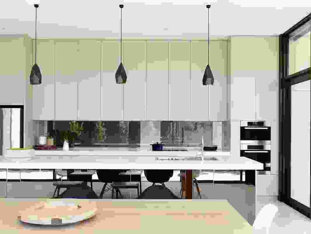 The kitchen boasts an elegantly simple, robust material palette.