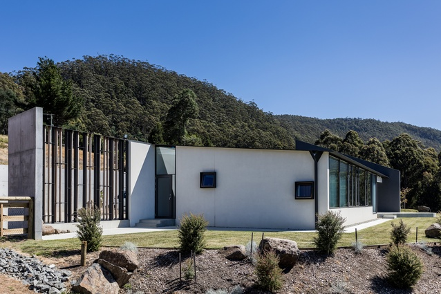 Sunnybanks House (Tas) by Core Collective Architects.