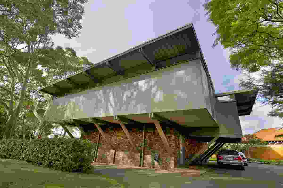 The Lyons House by Robin Boyd.