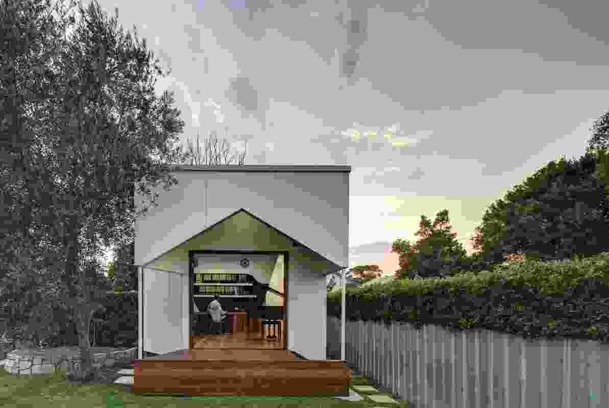 Backyard Music Studio by M3 Architecture.