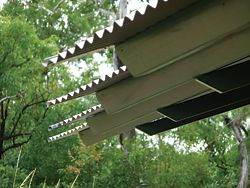 Eaves detail. A character more domestic than commercial dominates. Image:Wendy Christie