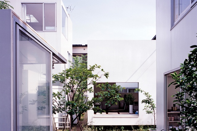 The Moriyama House (2005) in Tokyo, designed by Ryue Nishizawa, deconstructs the home into small blocks, allowing for unconventional family types and adaptation for different uses.