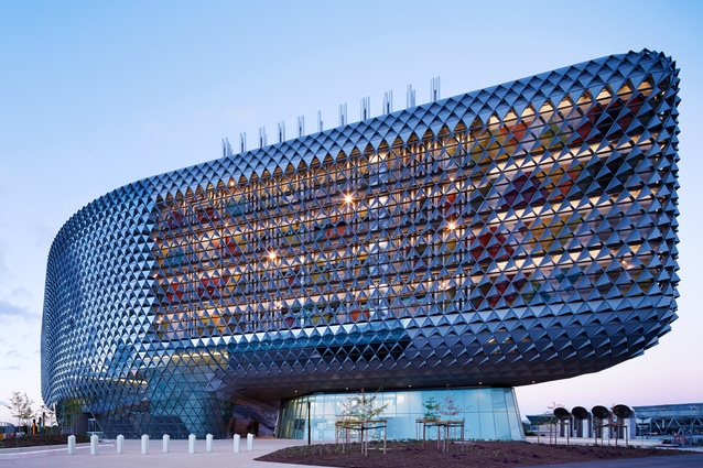 South Australian Health and Medical Research Institute (SA) by Woods Bagot.