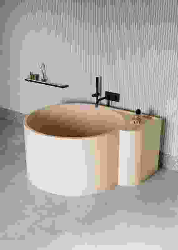 Nouveau bathtub from Ex.t