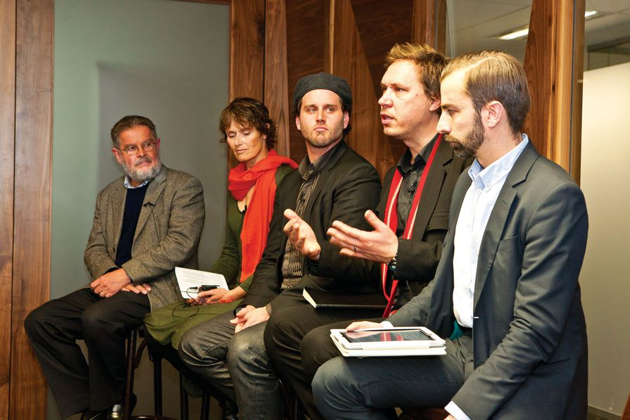 Hewett talks about the importance of an integrated design strategy for shaping the future of cities at AA Roundtable 07. (L–R): Harold Guida, Catherine Townsend, Stuart Candy, Ben Hewett and Timothy Moore.