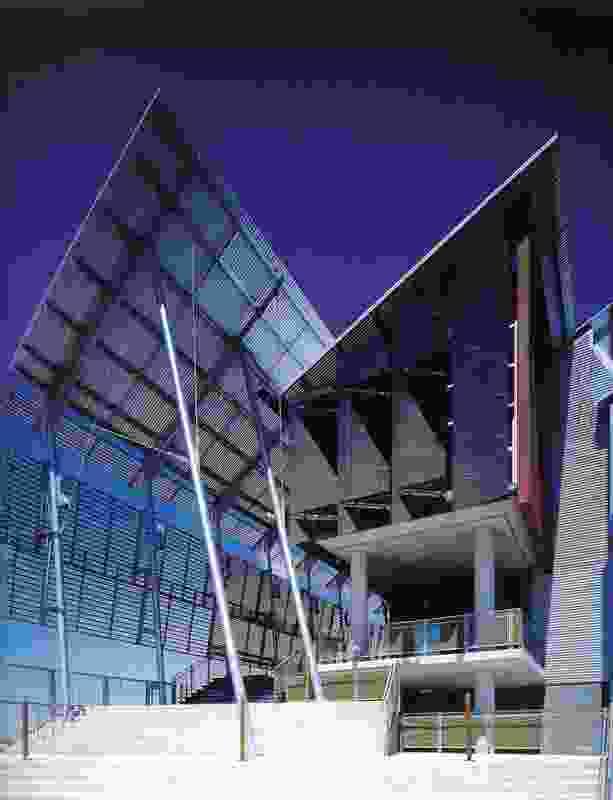 Opening: Sunshine Coast University Library (1997).