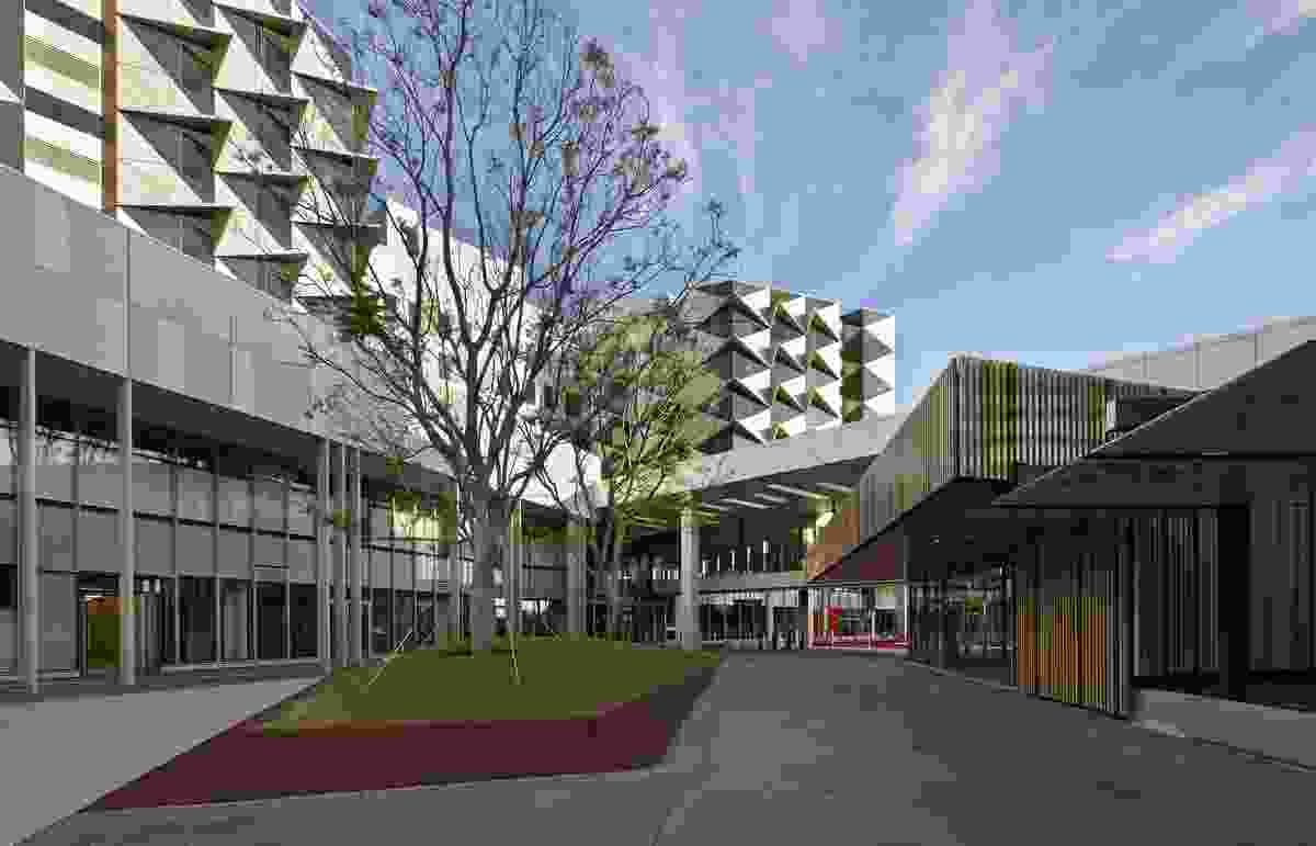 Fiona Stanley Hospital by The Fiona Stanley Hospital Design Collaboration (comprising Hassell, Hames Sharley and Silver Thomas Hanley).