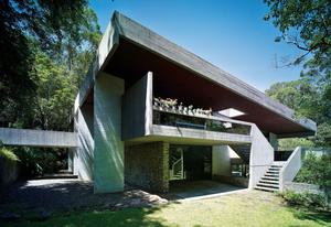 Killara House by Harry and Penelope Seidler.