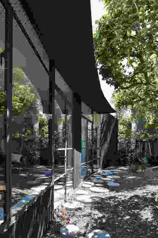 Garden Pavilion (Vic) by BLOXAS.