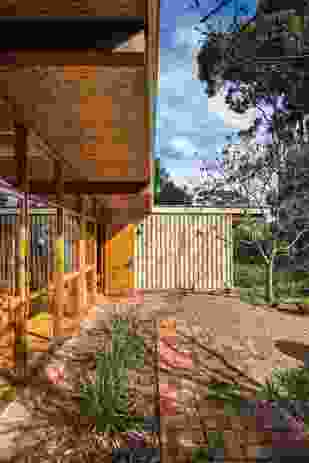 The postwar dwelling retains its original bucolic bush atmosphere.