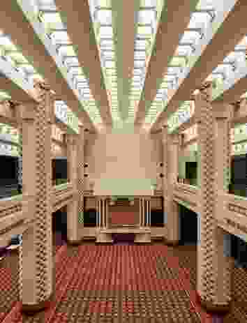 In the foyer, the heritage ceiling echoes the theatre's ziggurat ceiling, while the new carpet re-creates the patterns and colours of the original.