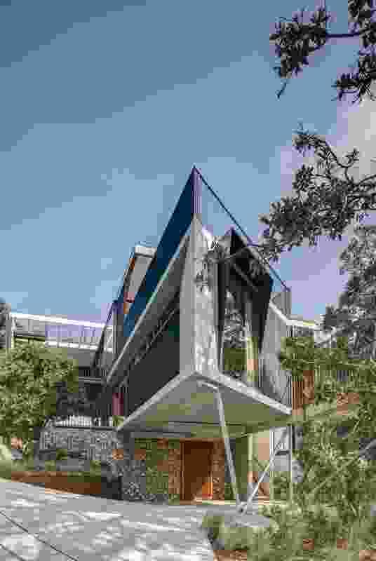 Breezeway House by David Boyle Architect.