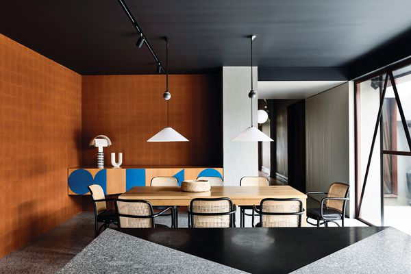 The bold geometry at Oak House is balanced by subtle site-specific gestures and modestly scaled spaces that respond to family life.