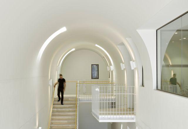 拜尔斯街由卡维尔建筑师事务所与霍格和兰姆联合设计。